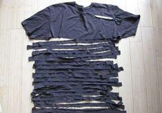 Realizeaza si tu accesorii deosebite din tricouri pe care nu le mai porti Daca nu stiti ce sa faceti cu niste tricouri vechi, va dam noi idei de a le transforma in accesorii frumoase pentru orice tinuta. Priviti! http://ideipentrucasa.ro/realizeaza-si-tu-accesorii-deosebite-din-tricouri-pe-care-nu-le-mai-porti/