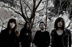 Mono (great japanese instrumental rock band)