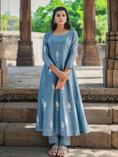 Grey Block Printed Chanderi Kurta with Pants and Ivory Dupatta- Set of 3 Churidar Designs, Kurti Neck Designs, Indian Gowns Dresses, Indian Outfits, Indian Clothes, Trendy Dresses, Fashion Dresses, Formal Dresses, Dresses For Pregnant Women