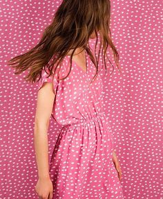 Think pink!  New dress from @companiafantastica ! Will take them to tomorrow's market day at @umdianomercado . #lovebyk #pink #dress #thinkpink #vestido #marketday #wanderlust #print #collection #ss17 #betterinpink #ihavethisthingwithpink #todayiwear #fashion #igers #instafashion #instagood #cool #allset #newcollection