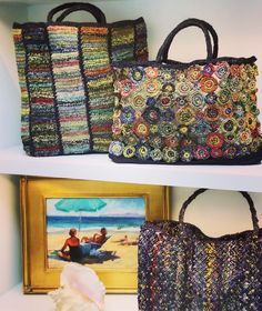 We love to gloat about our totes. Love Crochet, Knit Crochet, Diy Bags Purses, Diy Tote Bag, Crochet Handbags, Crochet Bags, Knitted Bags, Crochet Accessories, Handmade Bags