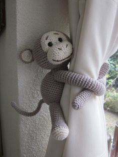 Amigurumi For Baby Room – Knitting And We Crochet Monkey Pattern, Crochet Motif, Crochet Patterns, Crochet Animals, Crochet Toys, Knit Crochet, Crochet Curtains, Crochet Decoration, Embroidery Kits