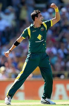 Mitchell Starc (Aus) 5 for 32 vs West Indies, 2nd ODI, Perth, February 3, 2013