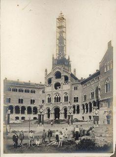 Barcelona, hospital de Sant Pau 1902-1909 Arts Barcelona, Barcelona City, Barcelona Catalonia, Gaudi, San Pablo, Lisbon Portugal, Best Cities, Wanderlust Travel, Old Photos