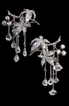 Attributed to Fossin & Fils - An antique pair of gold and diamond hair ornament in the Mancini style, Chaumet, Paris, circa 1840. #Fossin #Chaumet #antique