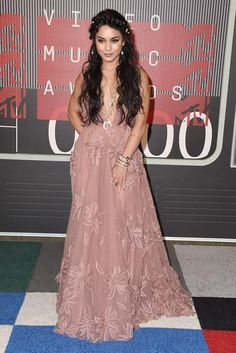 The best fashion moments from the MTV VMAs red carpet! Vanessa Hudgens