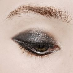 mac-mineralize-eyeshadow-a-waft-of-grey