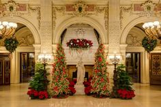 The Great Hall of The Breakers decorated for Christmas in Newport. (BEst New England Christmas Celebrations) Holiday Lights, Holiday Tree, Audemars Piguet, Baroque, Coastal Living Magazine, Christmas Interiors, Noel Christmas, Xmas, Christmas History