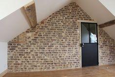 Réno murs briques, après piquage de l'enduit rénovation brute des briques dans maison de pêcheur Loft, Isolation, Garages, Cement Render, Attic Spaces, Walls, Traditional Interior, Home, Lofts