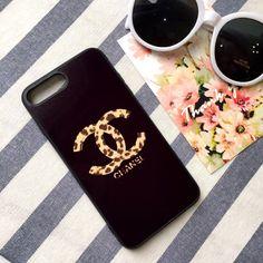 ブランドシャネルは世界でとても有名です。  高貴、優雅な気質、シャネルの香水、化粧品、服装等のがすごい人気があります。  シャネルiphone8ケースはきっとホットに売りるところます。  弊社は人気ブランド iphone8ケース シャネル レディース向けを出品します。    ファッションなブランドシャネル風、シンプルおっとりしいるC&Cロゴ、  ケースの表面がスムーズので、おしゃれさも十分です。  優れたな素材を採用、手持ちがよくて、防水機能も備えています。  耐衝撃な柔軟素材を採用、御愛機をしっかりと保護してくれ、長く愛用できます。    お洒落ブランド シャネル iphone8ケース アイフォン7s plusジャケットケースは海外でも人気があります。  ファッションでユニークなデザイン、独特なスタイル、素晴らしいです。  それにセレプや名流や歌手が愛用されるアイテム。友達にプレゼントを贈って、きっと楽しくなります。http://www.emicase.com/iphone-8-8plus-case