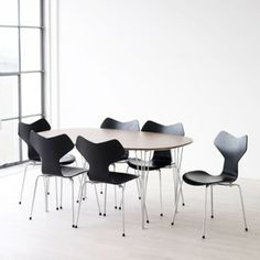 Fritz Hansen Grand Prix Dining Chair by Arne Jacobsen - Chaplins Fritz Hansen, Arne Jacobsen, Grand Prix, Dining Room Furniture, Furniture Design, Dining Chairs, White Laminate, Contemporary Furniture, Architects