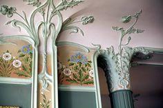 Art Nouveau détail in Vuitton family house Mobiliário Art Nouveau, Art Nouveau Interior, Art Nouveau Furniture, Art Nouveau Architecture, Art Nouveau Design, Art And Architecture, Architecture Details, Design Art, Furniture Decor