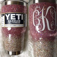 This is a good comparison of Twinkle vs Champagne 💖✨ Diy Tumblers, Custom Tumblers, Glitter Tumblr, Glitter Projects, Glitter Crafts, Vinyl Projects, Tumblr Cup, Cup Crafts, Custom Cups