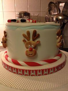 Santa and Reindeer Decorated Cake | #christmas #xmas #holiday #food #desserts