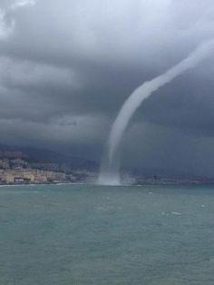 Tromba d'aria a #Genova #Voltri (foto di Cinzia Cividino)