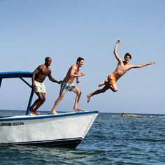 We are jumping into the Week like this because we can #thetryallclub #luxurylife #caribbeanluxury #carribean #lifestyle #life #blueskies #caribbeanocean#boatlife  #familygetaway #Friends #family #guys#snorkeling#crew   Have a Great week Guys®