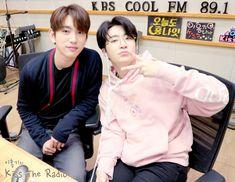 jinyoung  youngjae kiss the radio