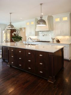 Kitchen Island. Kitchen Island design. Large custom kitchen island. #KitchenIsland #KitchenIslandDesign