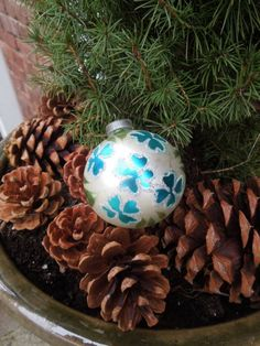 #shamrock http://adoreyourplace.com/2012/12/01/vintage-ornament-obsession/
