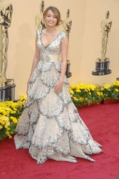 Miley Cyrus de Zuhair Murad. Las famosas y sus vestidos de fiesta. Alfombra Roja.