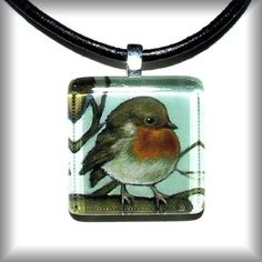 Isn't this little robin pendant adorable? I want it so much!
