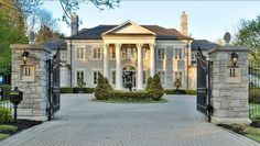 """The actual """"Mean Girls"""" mansion - mega mansions, dream homes, luxury real estate, celebrity homes, mansions for sale and ultimate kitchens. Mega Mansions, Mansions For Sale, Mansions Homes, Luxury Mansions, Future House, My House, Girl House, Architecture Design, Southern Architecture"""