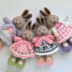 23 Super Ideas For Knitting Inspiration Little Cotton Rabbits Knitted Bunnies, Knitted Animals, Crochet Bunny, Knit Or Crochet, Crochet Birds, Crochet Food, Knitted Baby, Knitted Doll Patterns, Animal Knitting Patterns
