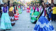El colorido de los trajes típicos de Oaxaca, México