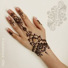 Love the idea of adding a gem for special moments. - Tattoo ideen - Love the idea of adding a gem for special moments. Love the idea of adding a gem for special moments. Henna Designs Arm, Pretty Henna Designs, Beginner Henna Designs, Latest Mehndi Designs, Mehndi Designs For Hands, Henna Tattoo Designs, Henna Tattoo Hand, Small Henna Tattoos, Simple Henna Tattoo