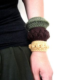 Inspiration.    chunky crochet bangles