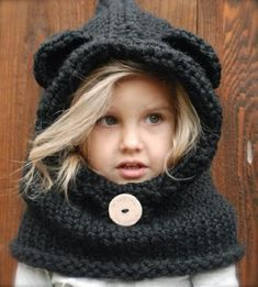 The Burton Bear Cowl Knitting Pattern.I wish this was a crochet pattern Knitting Projects, Crochet Projects, Knitting Patterns, Sewing Projects, Crochet Patterns, Knitting Ideas, Free Knitting, Cowl Patterns, Baby Knitting