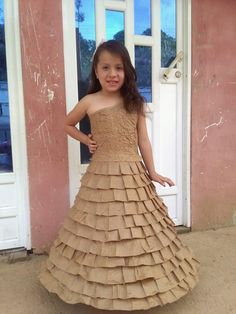 Vestido reciclado papel Formal, Summer, Style, Fashion, Dresses, Parties, Paper, Recycled Dress, First Grade