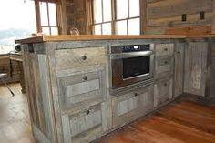 Whitewash Wood Countertops | Keuken van steigerhout met greywash afwerking.