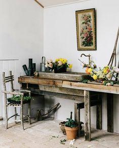 Floral Room, Floral Artwork, San Francisco Girls, Concrete Sink, Brass Faucet, Beautiful Interior Design, Instagram Worthy, Home Hacks, Vintage Floral