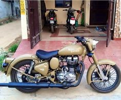 Bullet Modified, Royal Enfield Classic 350cc, Royal Enfield Wallpapers, Royal Enfield Modified, Enfield Motorcycle, Royal Enfield Bullet, Bike Engine, Bike Photography, Shahid Kapoor