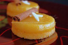 Ingredientes:    100g de amêndoa moída (farinha de amêndoa)  400g de açúcar  3 ovos  4 gemas  Raspa de 1 limão  1 colh...