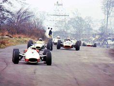 Oulton Park 🇬🇧1967. John Surtees #Honda, Graham Hill #Lotus and Mike Spence #BRM leading the pack.