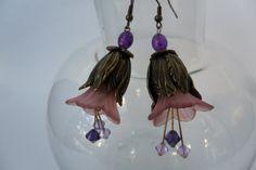 Acrylic flower dangle earrings by ImaginationBySheilaO on Etsy