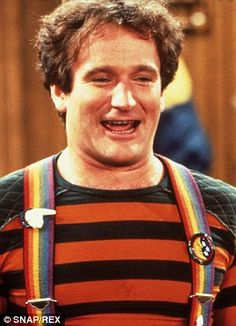 Robin Williams first entered America's hearts as Mork in Happy Days and then Mork & Mindy Mork & Mindy, Tv Show Casting, Midsummer Nights Dream, Creating A Business, Sylvester Stallone, Robin Williams, Comedians, How To Introduce Yourself, Decir No