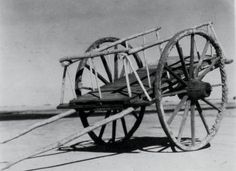 Squeaky wheels - one of the signature characteristics of the Red River ox carts that hauled bison furs from the Dakota Territory to St. Indigenous People Of Canada, Bullock Cart, Aboriginal Education, Chuck Wagon, Canadian History, Red River, First Nations, American Indians, Wheels