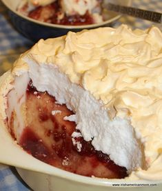 ENGLAND - Queen of Puddings is a baked custard of eggs, milk, butter, sugar and breadcrumbs, spread with jam and topped with toasted meringue - a delicious dessert. Just Desserts, Delicious Desserts, Dessert Recipes, Yummy Food, Dessert Bars, Dessert Ideas, Yummy Recipes, Vegetarian Recipes, Healthy Food