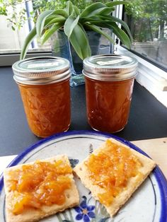 Apricot-Pineapple Jam is a low-sugar or low-honey cooked jam made with Pomona's Pectin. This jam can be made with fresh or canned pineapple.