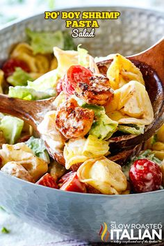 Your favorite Shrimp Po Boy Sandwich transformed into a sensational Po Boy Shrimp Pasta Salad with Creamy Remoulade Dressing! It doesn't get more crowd pleasing addicting than this creamy, hearty, spicy, juicy shrimp pasta salad! Pasta Salad With Tortellini, Pasta Salad Italian, Shrimp Pasta, Chicken Pasta, Pasta Salad Recipes, Seafood Recipes, Dinner Recipes, Cooking Recipes, Healthy Recipes