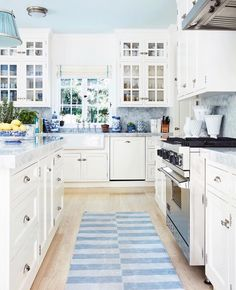 "motherofsoutherncharm: ""Classic blue and white Source: The Cottage Journal """