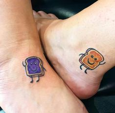 Cute, sweet, sacred or fun, what& your friendship style? Find your symbol with these best friend tattoos to honor the friendship with your soul sister. Friend Tattoos Small, Soul Sister Tattoos, Cute Best Friend Tattoos, Matching Best Friend Tattoos, Small Tattoos, Tatoos For Best Friends, Bestie Tattoos Bff, Matching Friendship Tattoos, Tattoo Friendship