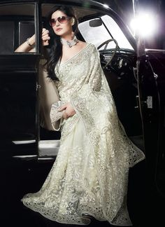 stunning white sari along with cream hues with exquisite floral work. This would be a beautiful wedding dress. Beauty And Fashion, Asian Fashion, Pakistani Bridal, Indian Bridal, Indian Dresses, Indian Outfits, White Sari, Desi Clothes, Indian Clothes