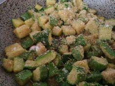 Zucchine croccanti, saporite ma leggere: sono le zucchine sabbiose in padella! Il contorno perfetto per tutti i vostri secondi piatti. I bambini apprezzeranno...