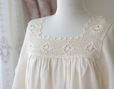 Cream Crochet top women Cotton top Cotton Lace tops by SENNURSASA
