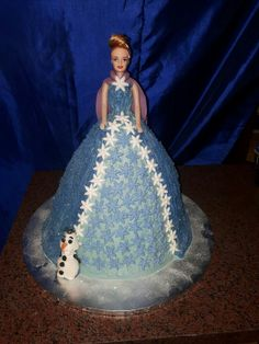 Frozen theme cake #mickeyandnicky