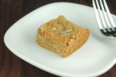 Zucchini Blondies are absolutely delicious, so try this lightened up clean eating version of a blondie today! #healthierdesserts #zucchinirecipes #blondies